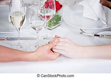 coppia, sorridere felice, celebrare, ristorante