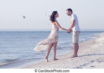 coppia, spiaggia, amare
