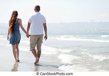 coppia, spiaggia, giovane, passeggiata