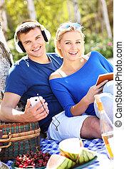 coppia, spiaggia, giovane, rilassante