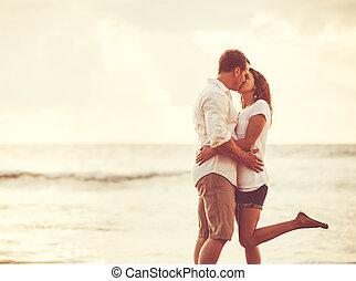 coppia, spiaggia, romantico, sunset.
