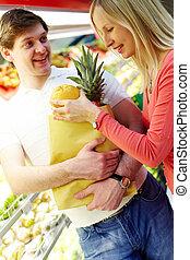 coppia, supermercato