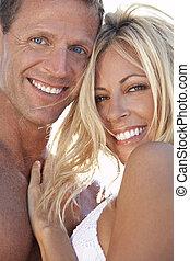 coppia, uomo, felice, attraente, spiaggia, donna, sexy