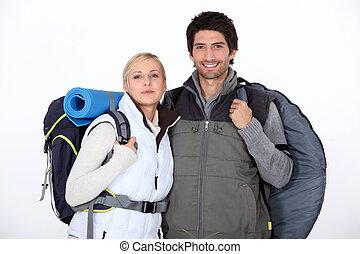 coppia, viaggio, andando gita