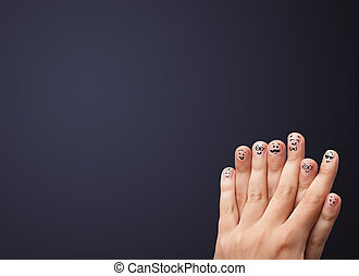 copyspace, ściana, smiley, palce, patrząc, opróżniać, szczęśliwy