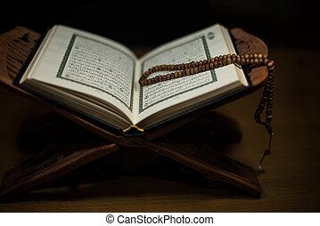 Corán, rosario, Páginas, santo, y