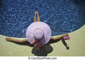 cor-de-rosa, biquíni, mulher relaxando, poolside