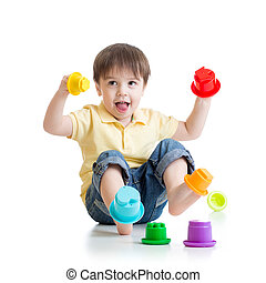 cor, Menino, pequeno, tocando, brinquedos