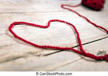 Coração, bola, cadeia, madeira, Símbolo,  woollen, fundo, vermelho