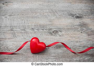 coração, com, fita vermelha, ligado, antigas, madeira