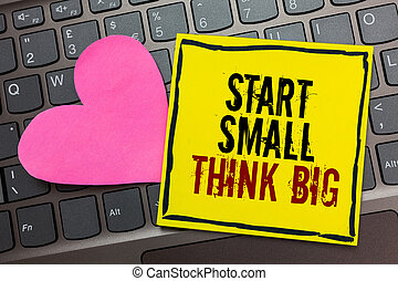 coração, conceito, texto, mente, amarela, computador, algo, ter, cor-de-rosa, início, coisas, bordered, escrita, poucos, escrito, pretas, tocado, keyboard., significado, grande, pensar, inicie, big., pequeno, letra, página