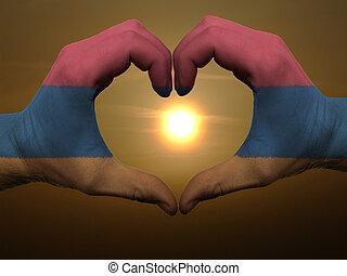 coração, feito, amor, colorido, símbolo, bandeira, gesto, arménia, mãos, durante, mostrando, amanhecer