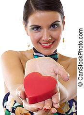 Coração, mulher, vermelho, segurando, grande