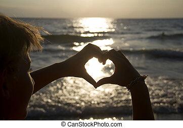 coração, pôr do sol, mãos