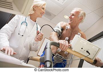 coração-taxa, monitorando, treadmill, paciente, doutor