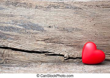 coração vermelho, em, fenda, de, prancha madeira