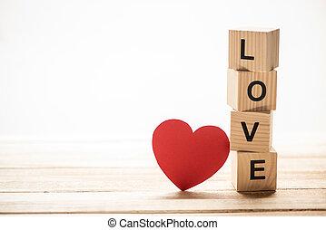 coração vermelho, papel, corte, e, madeira, cubos, com, amor, sinal