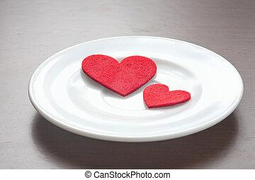 corações, prato vermelho