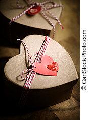 corazón, cajas, etiquetas obsequio