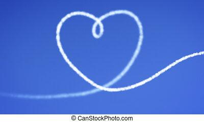 corazón, cielo azul