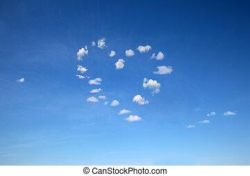 corazón formó, nubes, en, cielo azul