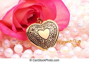 corazón, medallón
