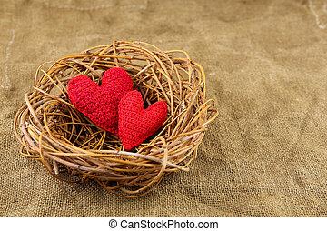 corazones, nido, hechaa mano, dos