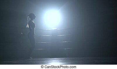 corde, femme, silhouette, sombre, sauter, anneau