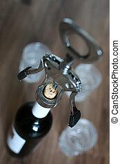 corkscrew bottle glasses