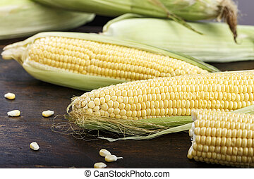 corn lies on the table