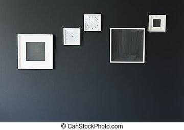 cornici, parete