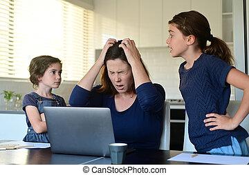 coronavirus, pandémie, maison, forcé, forces, travail, (covid-19), mère, home., employés, désordre, beaucoup