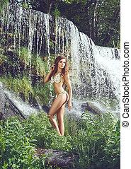corpo bonito, ajustar, jovem, esbelto, swimsuit, cachoeira, posar, menina