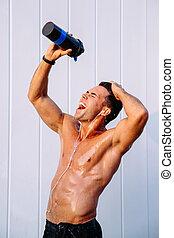 corpo, colatura, suo, acqua, muscoloso, uomo, fuori, felice