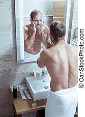 corps, beau, sien, gentil, prendre, après, figure, douche, homme, muscle, rasage
