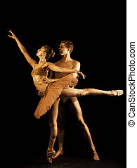 corps, doré, ballet, amour, art.shining, or, couple, danseurs, scène, sombre, passion, exécuté, émotif, skin.pair, depicts, sexuel, professionnel, étape