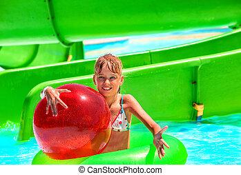 corrediça água, criança, aquapark.