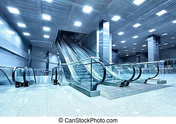 corredor, escadas rolantes