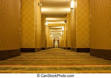 corredor, longo, arrepiado