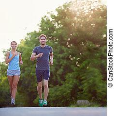 correndo, insieme