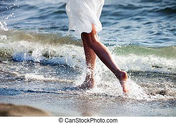 corrida, em, praia arenosa