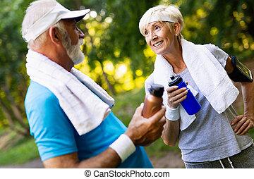 corrida mulher, condicão física, exercícios, homem sênior