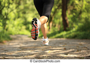 corrida trilha, mulher, jovem, pernas