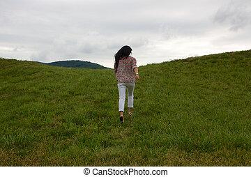 corriente, niña, colinas verdes, arriba