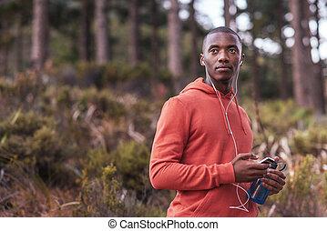 corsa, giovane, messo fuoco, ascolto, africano, musica, uomo, prima