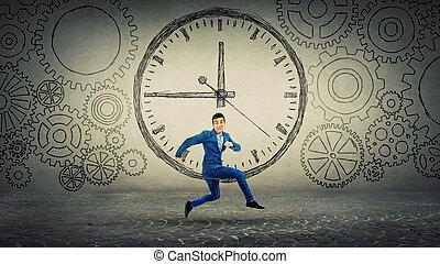 corsa, puntuale