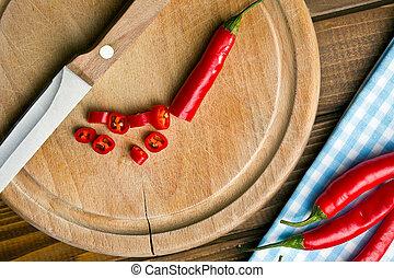 cortado, pimienta chili, en, tabla de cortar