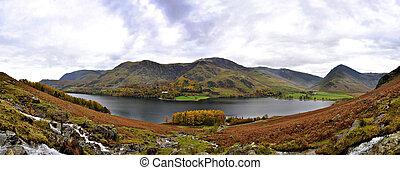 cosido, panorama, de, lago buttermere, en, otoño