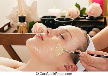 cosméticos, -, aplicando, máscara facial