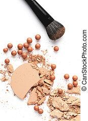cosmétique, poudre, à, brosse, isolé, blanc